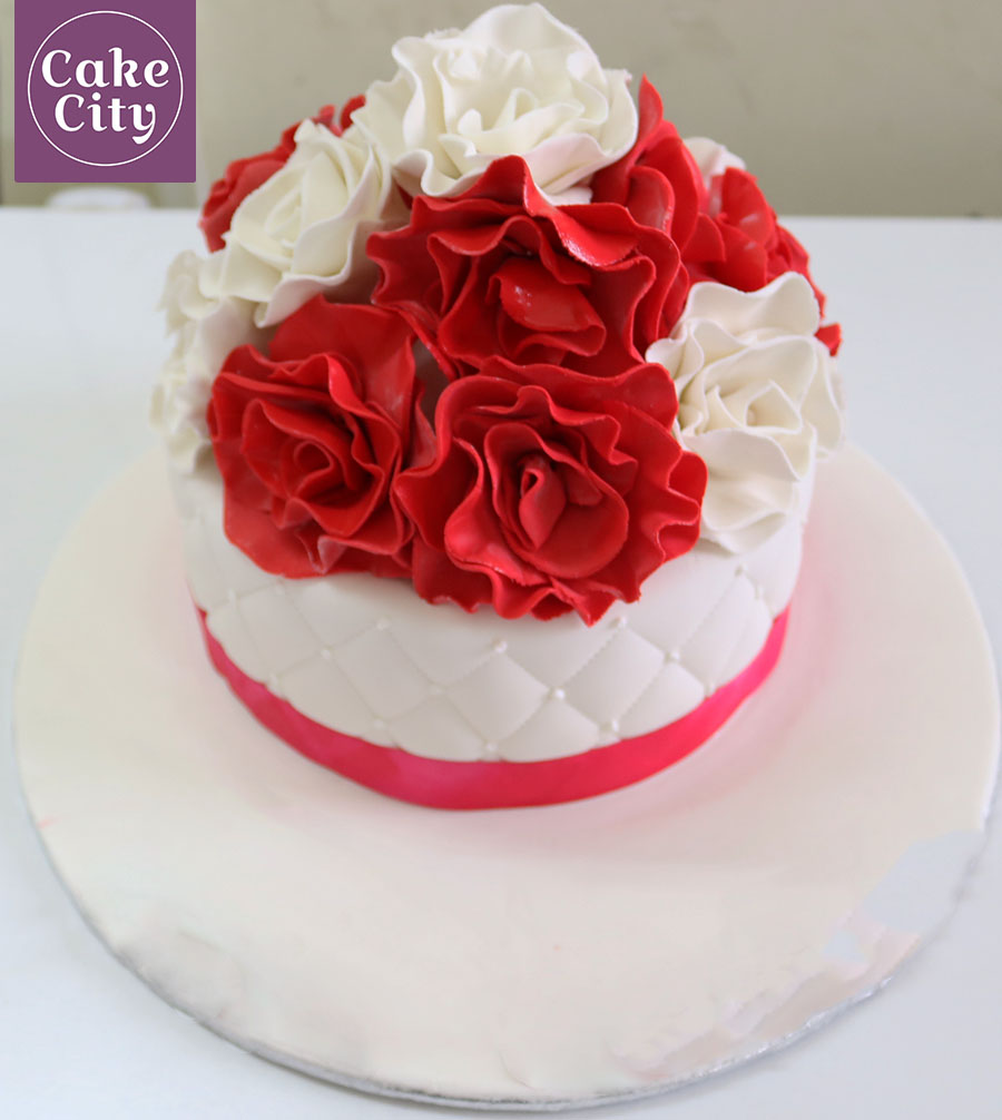 Red White Rose Birthday Cake Girl Birthday Cake Ideas